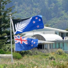 Post - NZ - Flags