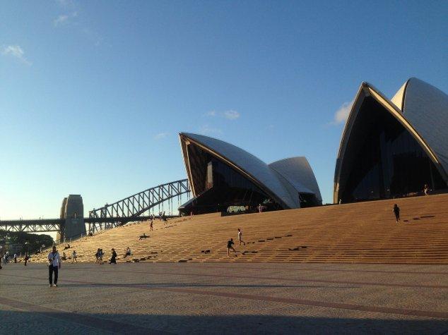 Post - Sydney - Opera House