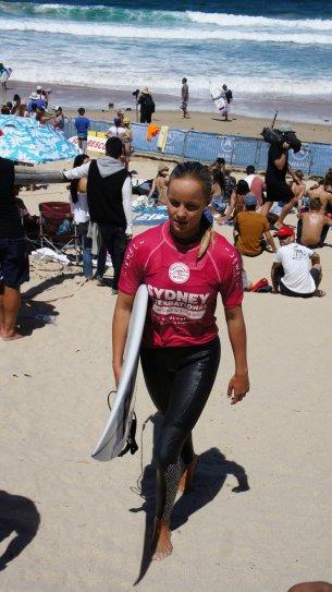 Isabelle Nichols, la surfeuse qu'on a pu voir de plus pres