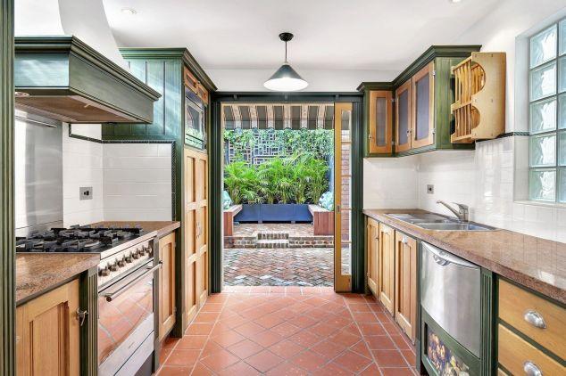 2 Hart Street - Image - Kitchen